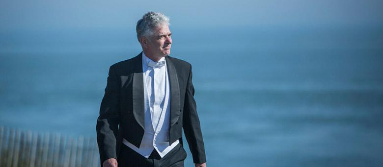 Grant Llewellyn, directeur musical de l'Orchestre Symphonique de Bretagne